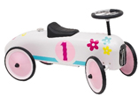 Pretty ride-on racing car